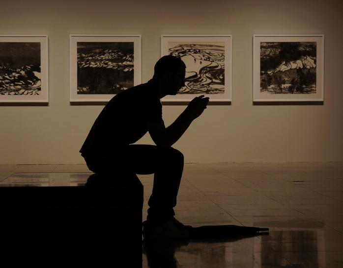 man-silhouette-light-people-white-thinking-879882-pxhere.com (1)