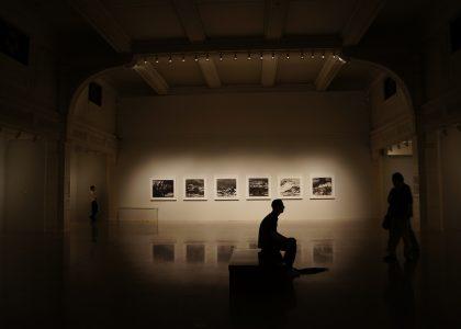 light-people-thinking-museum-darkness-painting-879765-pxhere.com