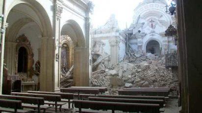 Iglesia_de_Santiago_tras_el_terremoto_de_Lorca