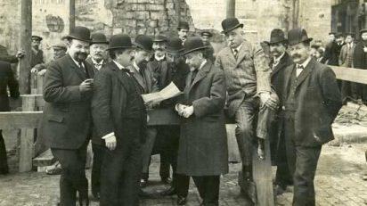 frederic-ballell-inicio-de-las-obras-de-la-via-laietana-de-barcelona-el-10-de-marzo-de-1908-sagnier-aparece-en-el-centro-de