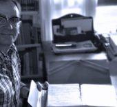 Jorge Grundman en la casa de Miguel Delibes.