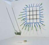 Interior V. Luz y metales, 1976, instalación de Juan Navarro Baldeweg.