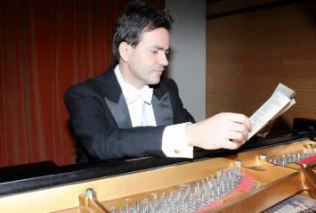 Alberto Cobos