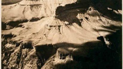 Alvin Langdon Coburn. The Amphitheatre, Grand Canyon, 1912. Cortesía George Eastman House.