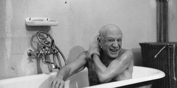 David Douglas Duncan. Picasso en su casa de la Riviera. 1956.