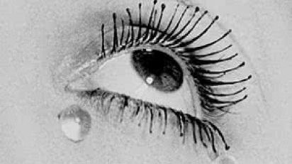 Man Ray. Glass tears, 1932. Cortesía MONDO GALERIA © Man Ray Trust / Adagp - Vegap / Telimage 2014