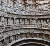 © Archaeological Survey of India, View of ornamentation of the well-shaft - Rani-ki-Vav (the Queen's Stepwell) at Patan, Gujarat (India).