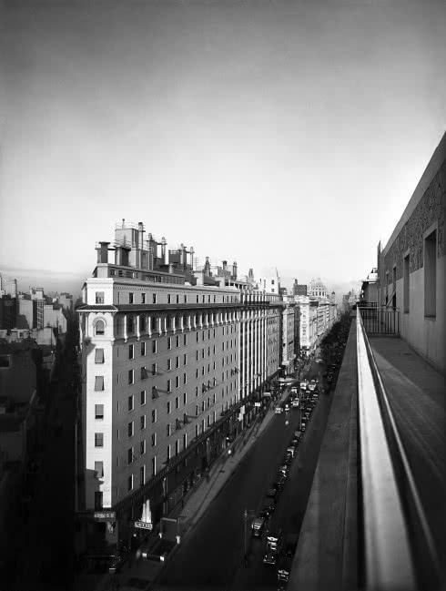 Horacio Coppola. Avenida Presidente Roque Sáenz Peña, 1936