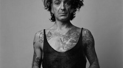 Alberto García-Alix. Autorretrato. Mi lado femenino, 2002 © Alberto García-Alix. VEGAP. Madrid, 2014