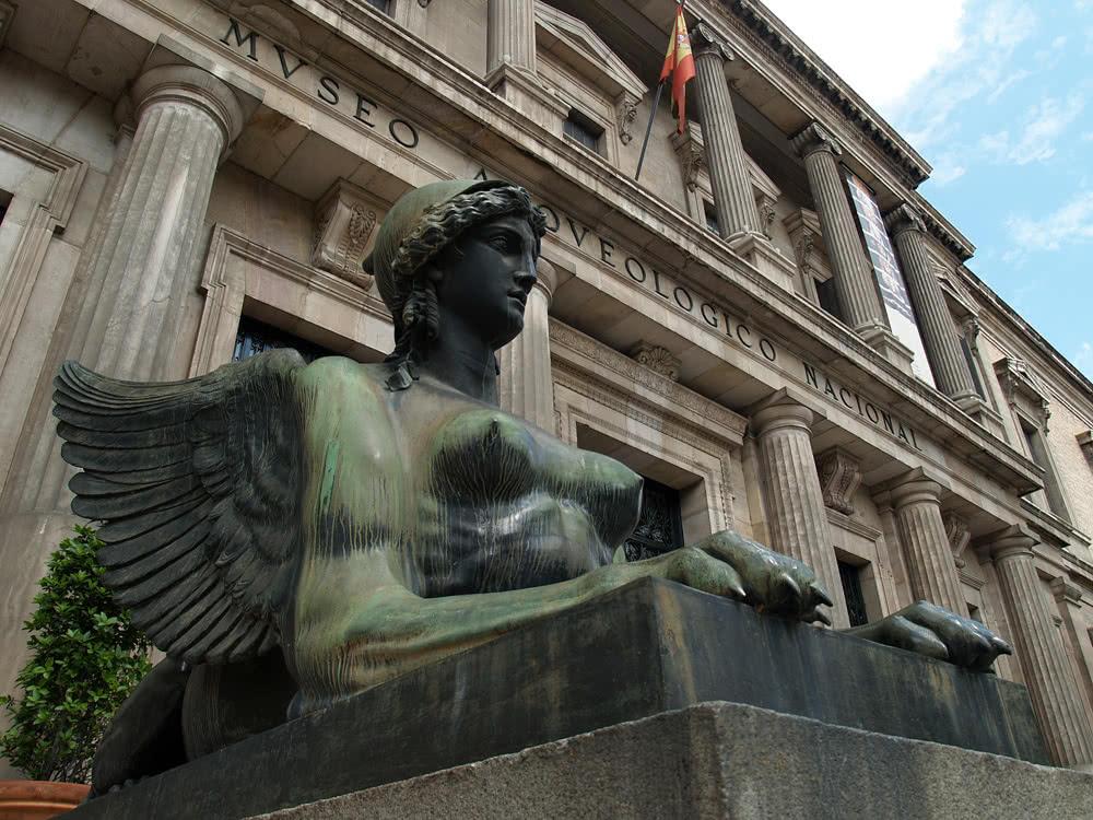 Una de las esculturas del MAN antes de su restauración (Foto: MAN)