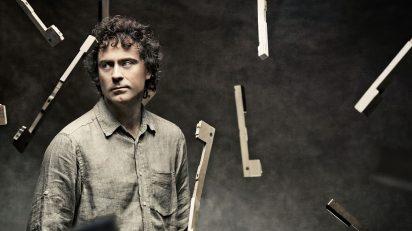 Paul Lewis (Foto: Josep Molina / Harmonia Mundi)