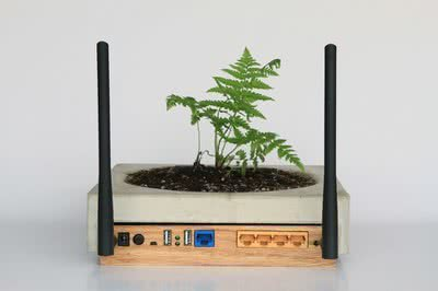 Sam Kronick. Uno de los routers rediseñados según la propuesta de The Consortium for Slower Internet.