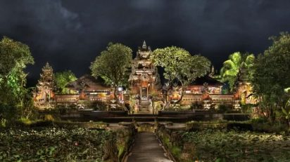 Saraswati Temple. Ubud, Bali, 2010. Light Jet, exposure on high glossy, 224 x 121 cm.