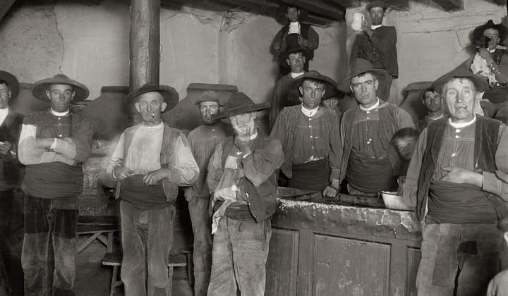En la taberna. San Pedro de Ávila. Entre 1914 y 1933. Foto: Otto Wunderlich.
