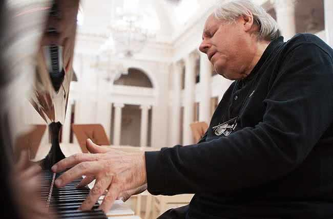 Sokolov (Foto: Mary Slepkova / Deutsche Grammophon)