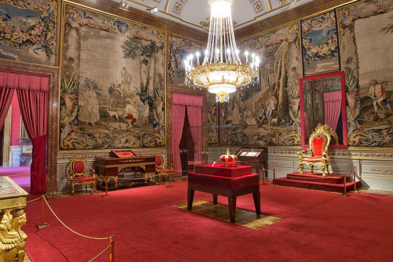 Sala de la Corona. Palacio Real de Madrid.