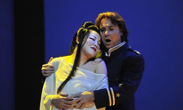 Roberto Alagna interpretando a Pinkerton en el Liceu de Barcelona.