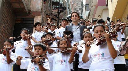 Juan Diego Flórez junto a la Sinfonía por el Perú (Foto: © Sinfonía por el Perú)