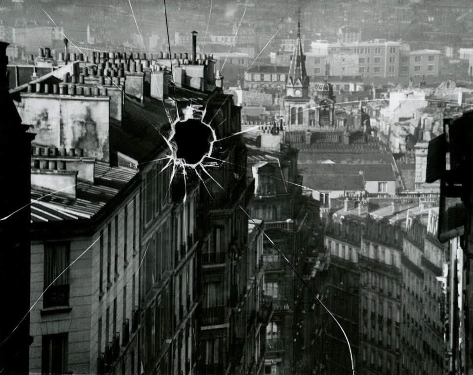 Placa rota, París 1929. André Kertész ©Ministère de la Culture. Mediatèque du Patrimoine. Donation André Kertész.