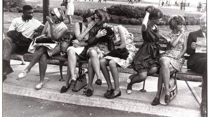 Garry Winogrand. New York World´s Fair (Exposición Universal de Nueva York), 1964. © The Estate of Garry Winogrand, cortesía Fraenkel Gallery, San Francisco.