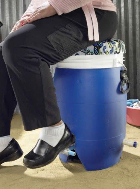 Lavadora y secadora a pedales. GiraDora. Jonathan Beckhardt, Alex Cabunoc, Kim Chow, Ji A You, Mariana Prieto, US, 2011