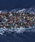 El italiano Massimo Sestini ha ganado el segundo premio en la categoría individual de 'Noticias generales' del World Press Photo con la imagen, titulada 'Operación Mare Nostrum'.