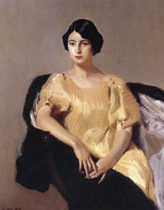 Elena con tunica amarilla