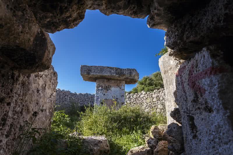 Taula de Torrellisar. Menorca.