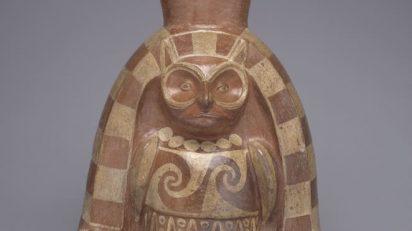Dios Búho. Mochica. Época Auge (1 d. de C. - 800 d. de C.). Museo Larco, Perú. © Archivo Museo Larco.