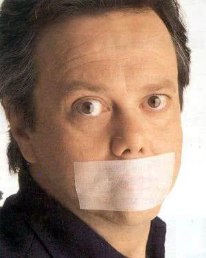 Moncho Alpuente, en una imagen de su espectáculo teatral 'De perdidos... Alpuente', en 2003.