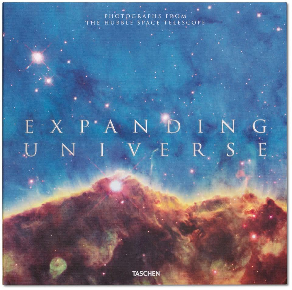 Portada Expanding Universe. Photographs from the Hubble Space Telescope