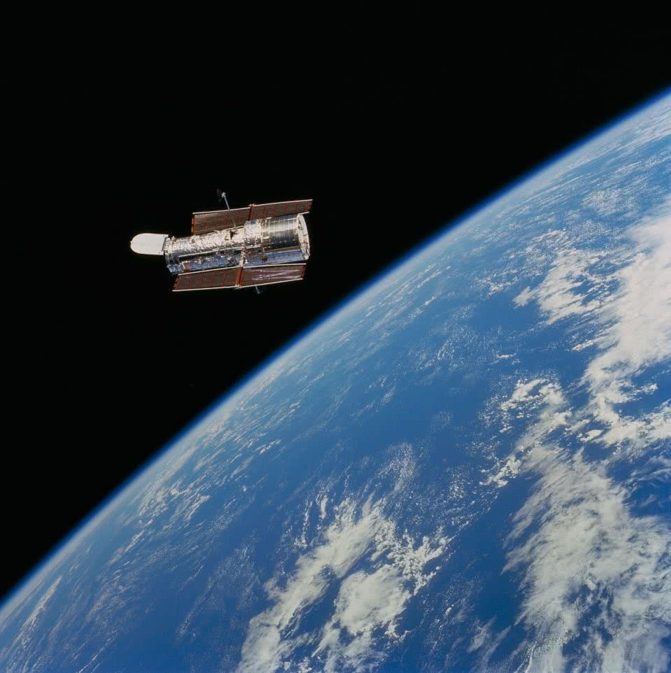 HST The Hubble Space Telescope classification: Cassegrain Telescope position: Earth's Orbit distance from earth: 350 mi instrument/year: Photo by Space Shuttle Crew, 1999