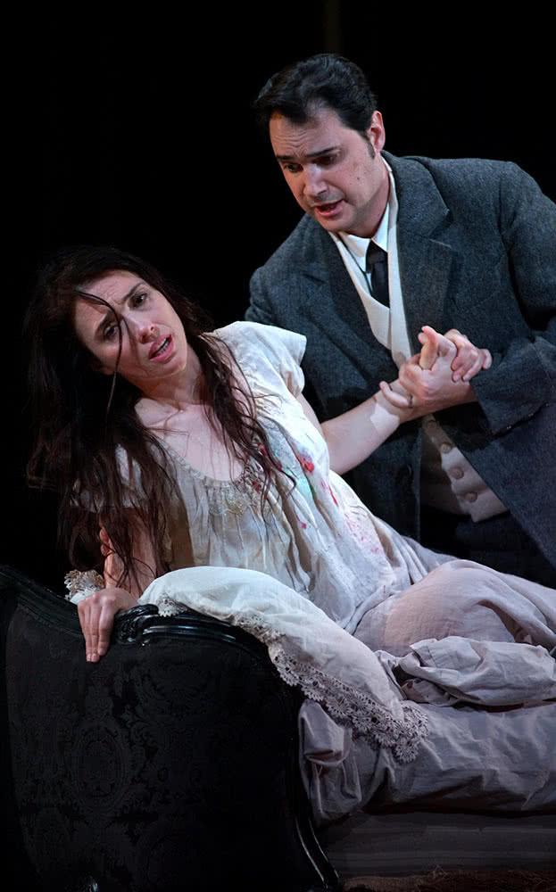 Ermonela Jaho y Francesco Demuro en La traviata. (Foto: Javier del Real / TR )