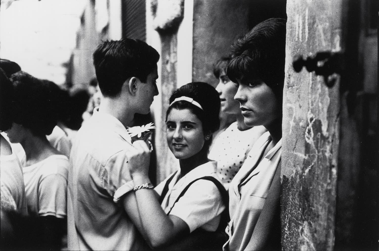 Xavier Miserachs. Festes de Gràcia, Barcelona, 1964.
