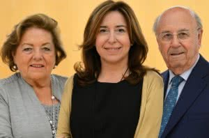Josefina y Julio Sorigué junto a Ana Vallés, presidenta de la Fundació.