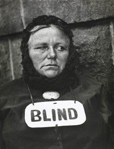 Paul Strand. Blind Woman, New York, 1916 (negativo), década de 1940 (copia)