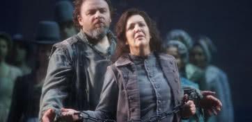 'Fidelio'. Michael König (Florestan), Adrianne Pieczonka (Leonora/Fidelio). (Foto: Javier del Real / Teatro Real)