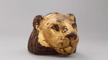 Pieza de mueble en forma de cabeza de león © Musée du Louvre, dist. RMN-GP / Benjamin Soligny.