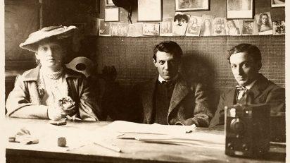 Retrato de Fernande Oliver, Picasso y Ramón Raventós en el Guayaba. 1906. Fondo Vidal Ventosa. Museu Picasso, Barcelona.