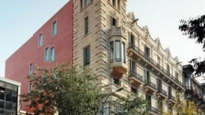Fachada de la casa Garriga Nogués.