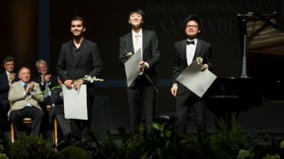 De izquierda a derecha: Floristán, Huh y Kong, Primer, Segundo y Tercer premio respectivamente. (Foto: Elena Torcida)