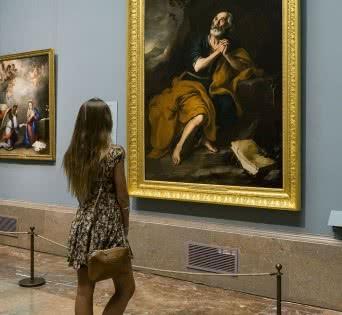 Imagen en sala de 'San Pedro penitente de los Venerables' de Murillo. Foto © Museo Nacional del Prado.