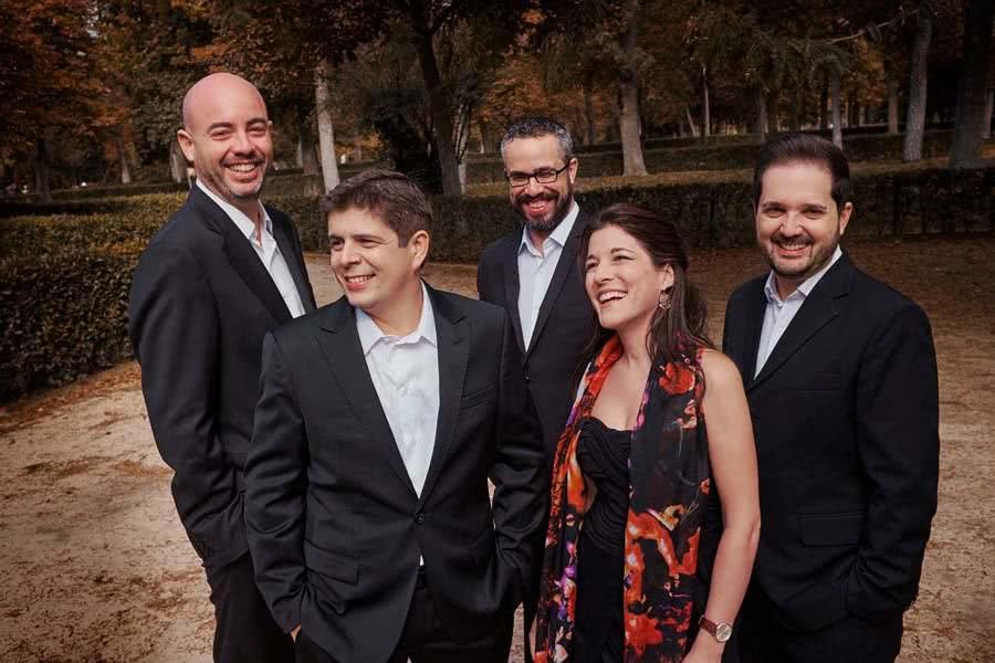 El Cuarteto Quiroga y Javier Perianes. Foto: Jordi Socías.