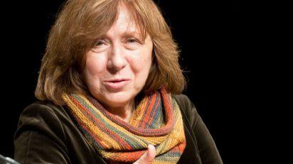 """""""Swetlana Alexijewitsch 2013"""" by Elke Wetzig - Own work. Licensed under CC BY-SA 3.0 via Wikimedia Commons."""