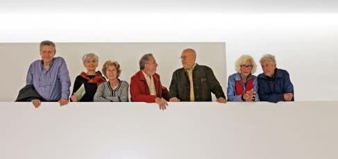 Ilustradores asistentes a la presentación de la exposición 'Cambio de luces. Ilustración española en los años 70'.