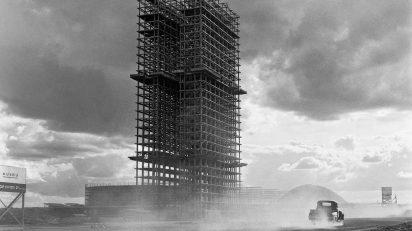 Marcel Gautherot. Palacio Nacional de Congresos en construcción, Brasilia. c. 1958.