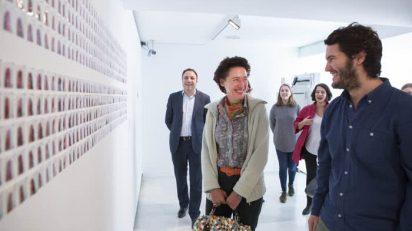 Anunciada Fernández de Córdova conversa con Carlos Ramírez sobre su obra.