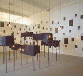 Les tombeaux, 1996. Christian Boltanski.