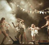 'Danzad Malditos'.