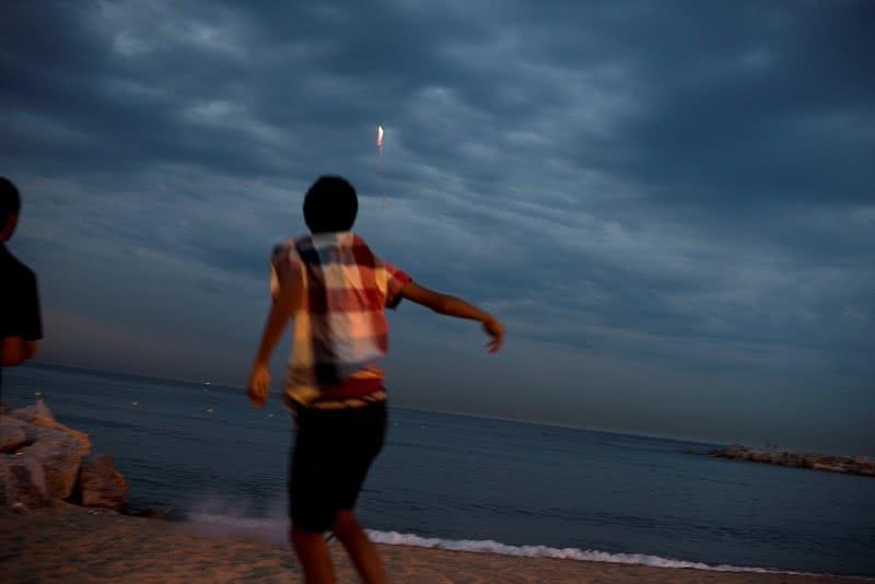 España, Barcelona, la playa en la noche de San Juan. © Navia.